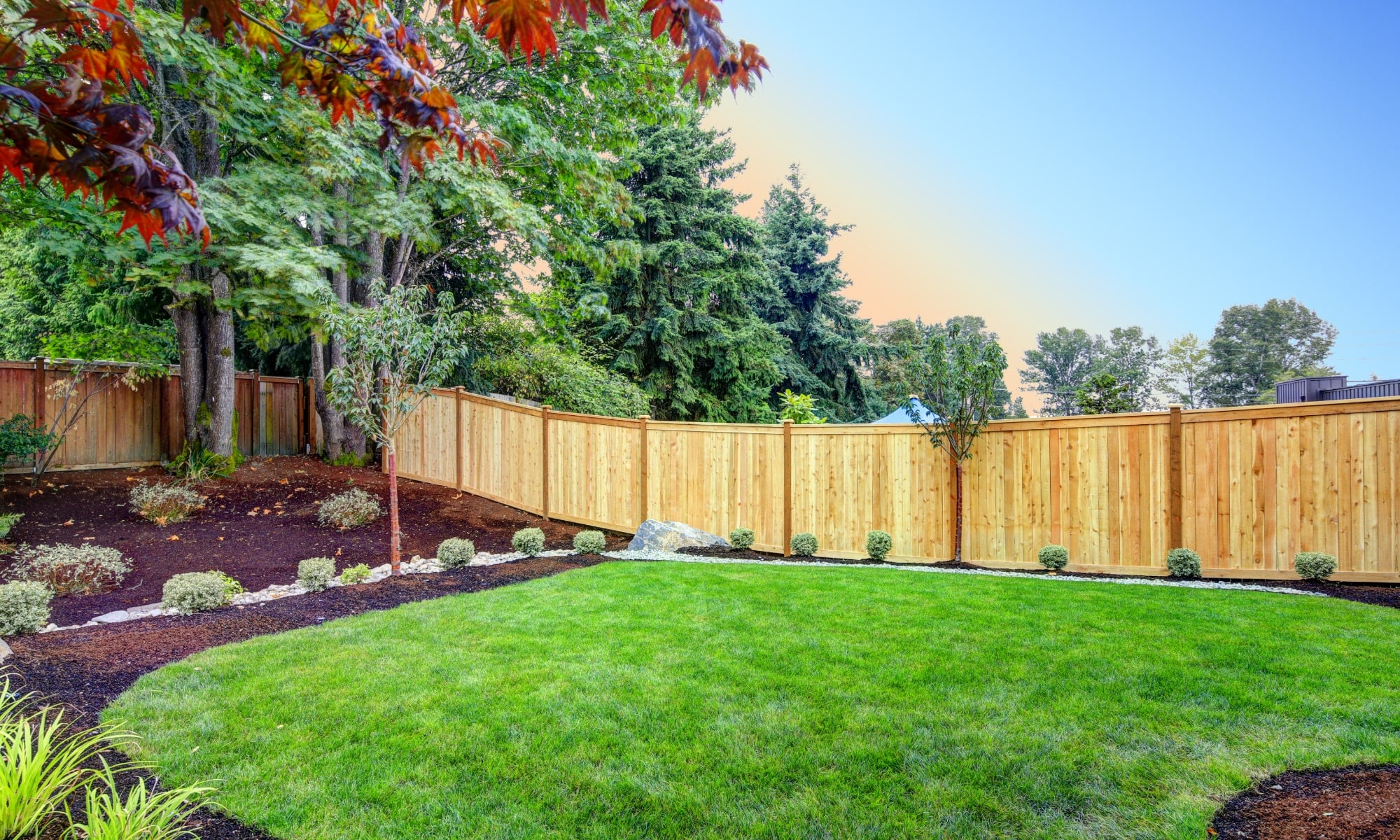 Top 5 Benefits of a Garden Fence